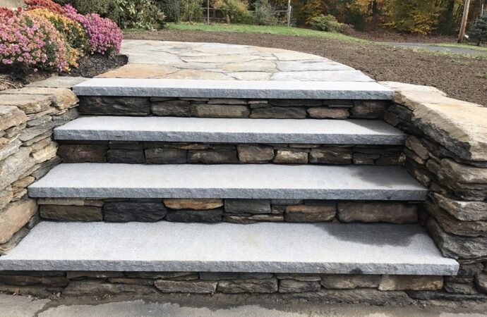 Hebbronville-Laredo TX Landscape Designs & Outdoor Living Areas-We offer Landscape Design, Outdoor Patios & Pergolas, Outdoor Living Spaces, Stonescapes, Residential & Commercial Landscaping, Irrigation Installation & Repairs, Drainage Systems, Landscape Lighting, Outdoor Living Spaces, Tree Service, Lawn Service, and more.